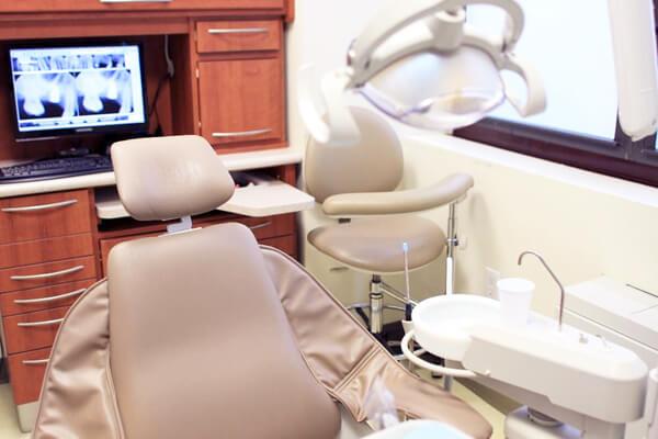 examination room in Sachar dental NYC